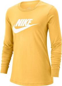 Bluzka Nike w sportowym stylu