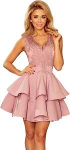 Różowa sukienka NUMOCO z dekoltem w kształcie litery v rozkloszowana