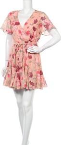 Sukienka Kilky z krótkim rękawem z dekoltem w kształcie litery v