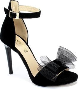 Sandały Euro Moda ze skóry z klamrami
