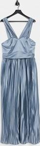 Niebieska sukienka Chi Chi London na ramiączkach maxi z dekoltem w kształcie litery v