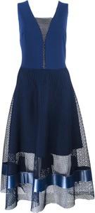 Niebieska sukienka Marselini midi bez rękawów