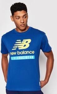 Niebieski t-shirt New Balance w sportowym stylu z krótkim rękawem