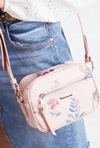 Różowa torebka David Jones z nadrukiem na ramię w młodzieżowym stylu