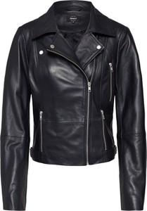 Czarna kurtka Only krótka w rockowym stylu