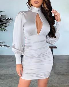 Sukienka Kendallme mini dopasowana z długim rękawem