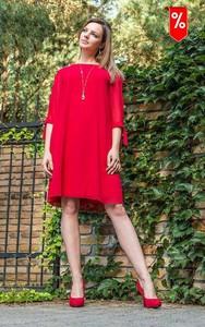 Czerwona sukienka Kaskada z golfem
