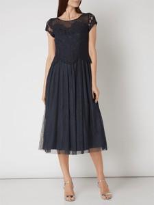 Granatowa sukienka Vera Mont z okrągłym dekoltem midi