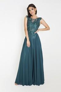 Zielona sukienka Marcelini z odkrytymi ramionami