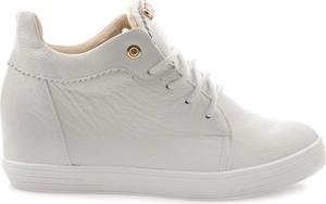 Sneakersy Saway na koturnie