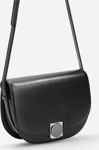 Czarna torebka Reserved średnia na ramię
