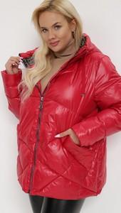 Czerwona kurtka born2be w stylu casual z kapturem