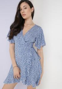 Niebieska sukienka born2be w stylu casual mini z dekoltem w kształcie litery v