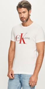T-shirt Calvin Klein w młodzieżowym stylu z krótkim rękawem z dzianiny