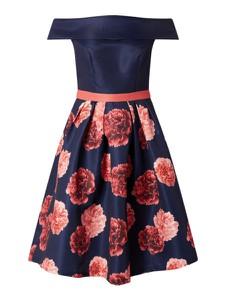 Sukienka Chi Chi London z krótkim rękawem