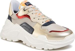 Złote buty sportowe Goe sznurowane ze skóry ekologicznej