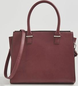 Czerwona torebka Sinsay średnia matowa do ręki