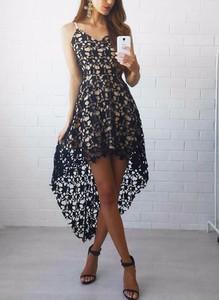 Sukienka Sandbella na ramiączkach asymetryczna