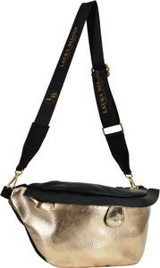 Złota torebka Swiat Obuwia lakierowana na ramię
