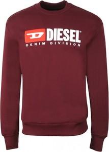 Czerwona bluza Diesel w młodzieżowym stylu z polaru
