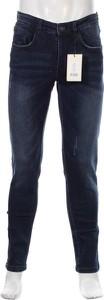 Niebieskie jeansy Redfield w street stylu