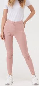 Różowe jeansy Sinsay