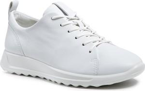 Buty sportowe Ecco ze skóry sznurowane z płaską podeszwą