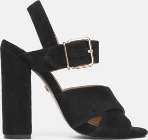 Czarne sandały Kazar ze skóry na obcasie z klamrami