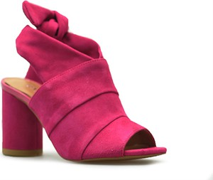 Różowe sandały Badura sznurowane z zamszu na wysokim obcasie