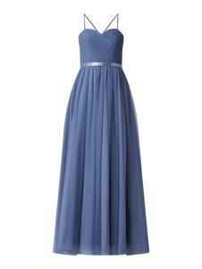 Niebieska sukienka Mascara z tiulu z dekoltem w kształcie litery v maxi