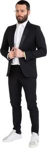 Czarny garnitur Stimm