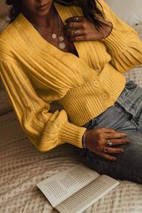 Żółty sweter IVET