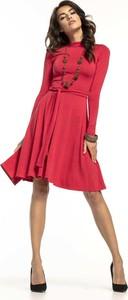Czerwona sukienka Tessita z długim rękawem