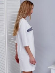Sukienka Sheandher.pl w stylu casual z okrągłym dekoltem z bawełny
