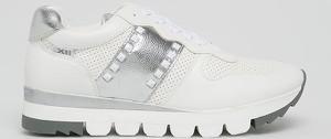 Buty sportowe XTI sznurowane
