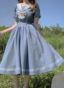 Niebieska sukienka Cikelly rozkloszowana