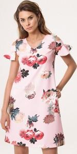 Różowa sukienka born2be z krótkim rękawem trapezowa mini