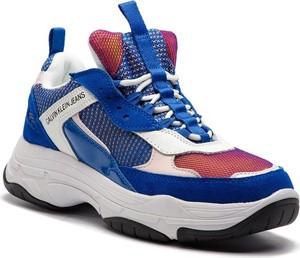 Buty sportowe Calvin Klein sznurowane na platformie