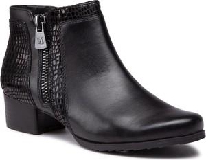 Czarne botki Caprice na obcasie w stylu casual