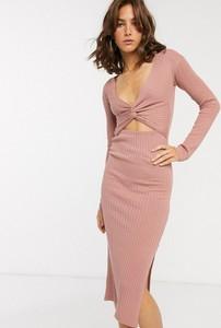 Różowa sukienka Asos Design z długim rękawem