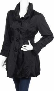 Czarny płaszcz Conos