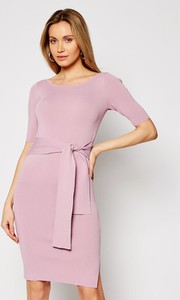 Różowa sukienka Guess mini z krótkim rękawem z okrągłym dekoltem