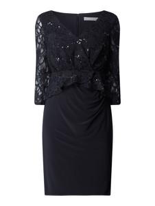 Czarna sukienka Christian Berg Cocktail z długim rękawem z dekoltem w kształcie litery v