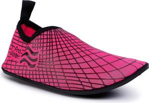 Różowe buty sportowe dziecięce eobuwie.pl w krateczkę
