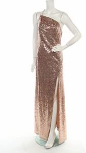 Złota sukienka Vicky Pattison