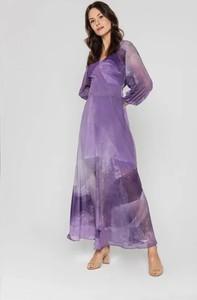 Fioletowa sukienka Lavard z dekoltem w kształcie litery v z tkaniny kopertowa
