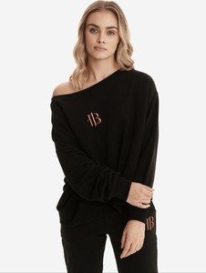 Czarna bluza born2be krótka