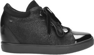 Sneakersy Wojas na koturnie