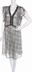 Sukienka Culture z dekoltem w kształcie litery v