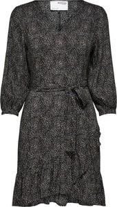 Sukienka Selected Femme z długim rękawem w stylu casual